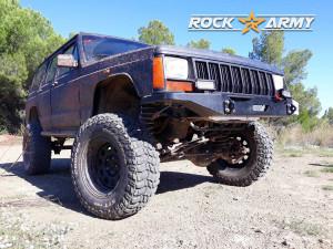 Pare chocs avant acier avec porte treuil extérieur (modèle EXT) de marque Rock Army pour Jeep Cherokee XJ