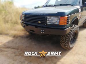 Pare chocs avant acier avec porte treuil de marque Rock Army pour Land Rover Range Rover P38